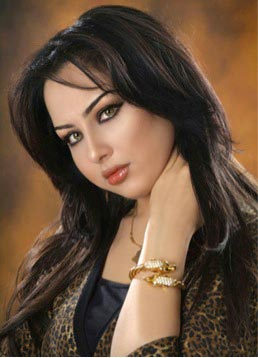 iraqi-dentist-suhair-al-qaisi-the-most-beloved-media-face-in-the-arabic-speaking-world-screen