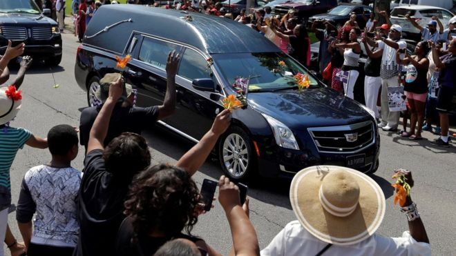 muhammad-ali-funeral-thousands-line-route-for-farewell