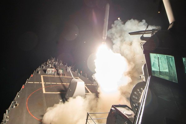 us-launches-cruise-missile-strike-on-syria